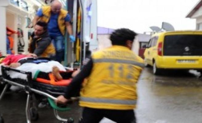 Cam Silerken Düşen Temizlikçi Kadın Ağır Yaralandı
