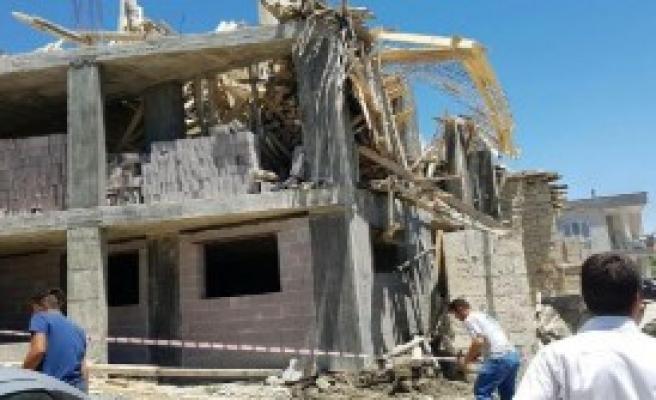 Cami İnşaatının İskelesi Çöktü: 1 Ölü, 1 Yaralı