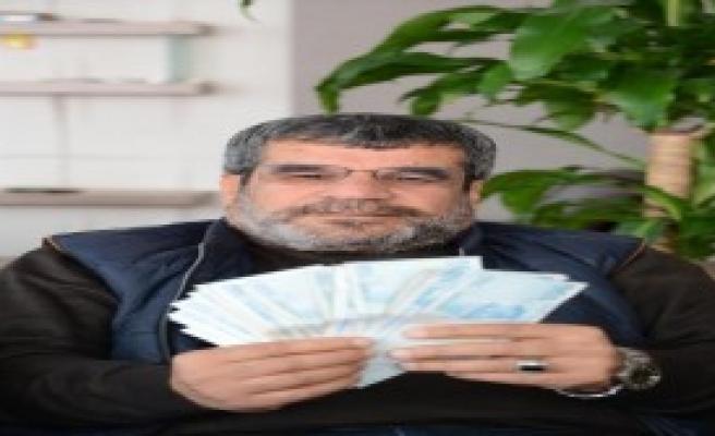 Çanta Dolusu Para Buldu, Sahibini Arıyor