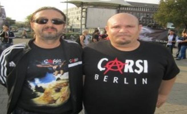 Çarşı Taraftar Grubu'ndan Almanya'da Protesto