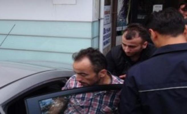 Çatıdan, Polis İndirdi