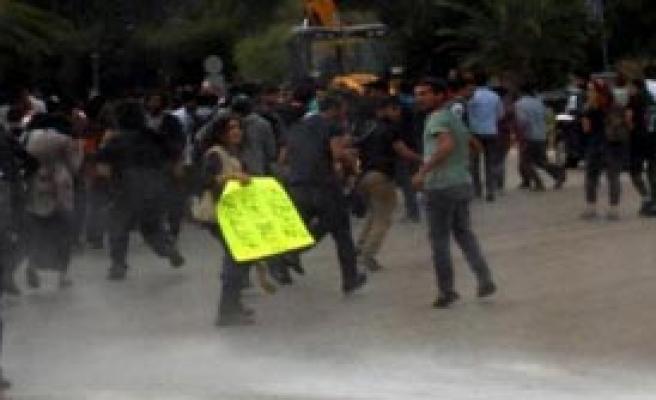 Kobani Protestocularının Üniversiteyi İşgal Eylemi