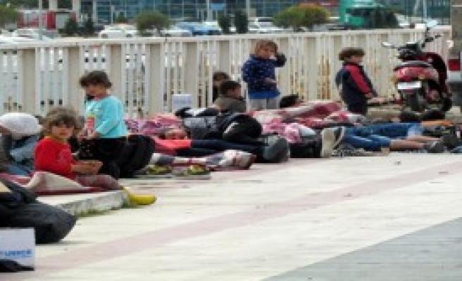 Çeşme Açıklarında 118 Mülteci Yakalandı