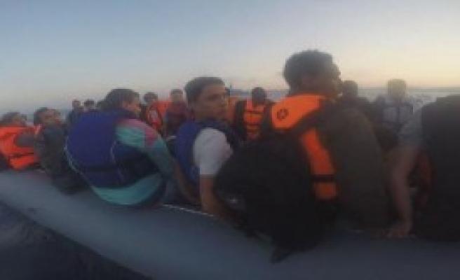 Çeşme'de 51 Mülteci Yakalandı