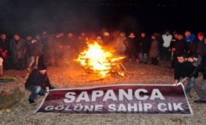 Çevrecilerden Sapanca Gölü İçin Protesto