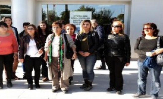 Cezaevindeki Kadınlara Kartlı Destek