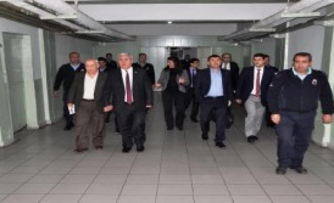 Ağbaba:İmralı Cezaevi'ne Baksınlar