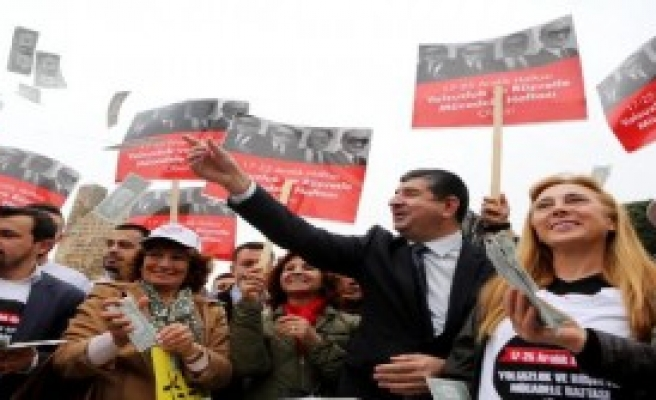CHP'nin Olay Pankartları Antalya'da