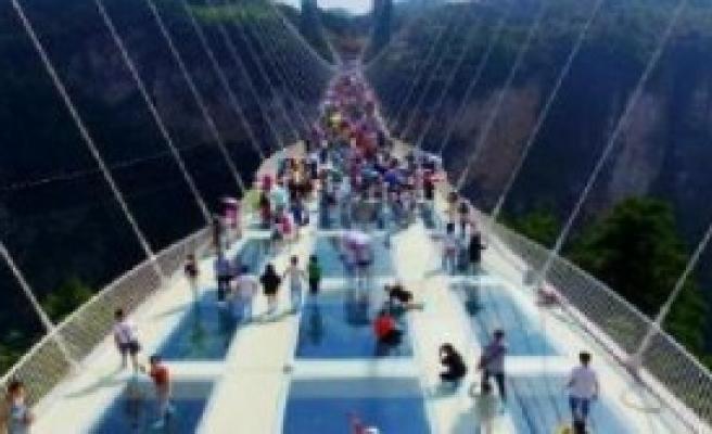 Cam Köprüsü Ziyaretçiye Açıldı