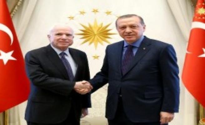 Erdoğan, McCain'i Kabul Etti