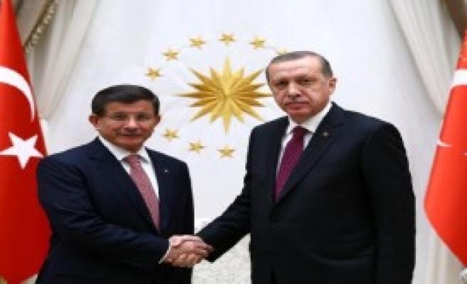 Hükümeti Kurma Görevi Davutoğlu'nun