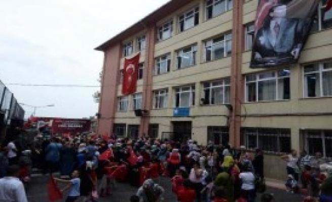 Erdoğan Mezun Olduğu İlkokulda