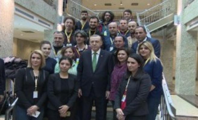 Cumhurbaşkanı Erdoğan Pasta Kesti