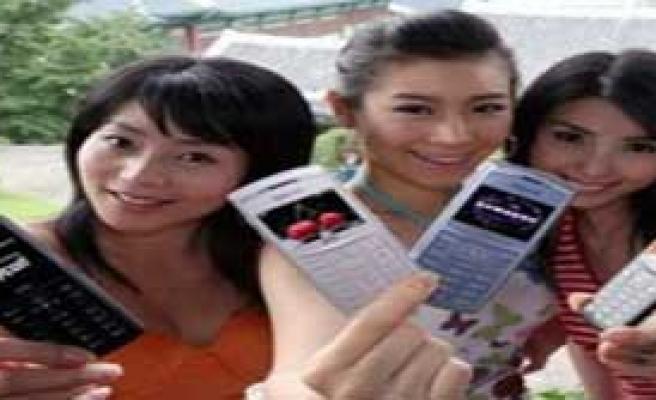 Her Çinli'ye Bir Cep Telefonu