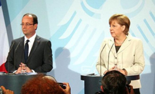 Merkel ve Hollande'dan Yunanistan'a Destek