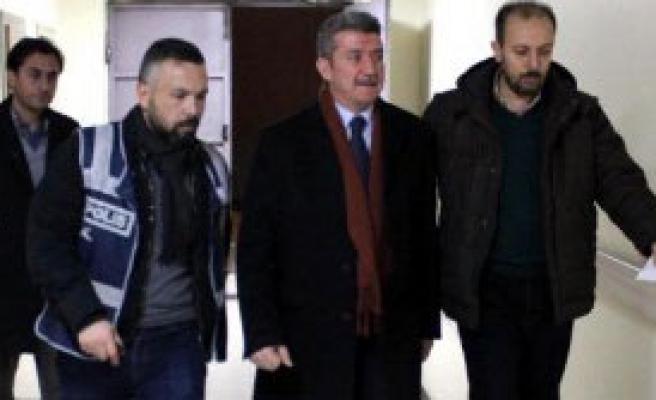 Kayseri'de 1 İşadamına Paralel Gözaltısı