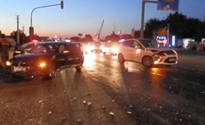 Foça'da Kaza: 2 Yaralı