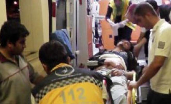 Şanlıurfa'da Sokakta Silahlı Saldırı: 2 Yaralı