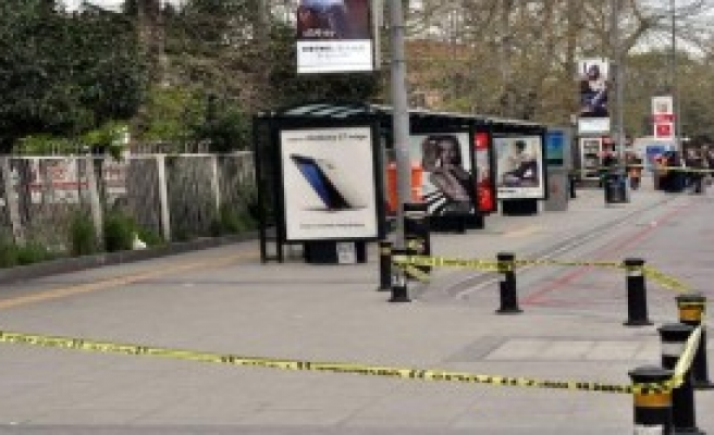 Dalgın Seyyar Satıcı Polisi Alarma Geçirdi