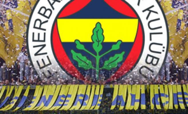 Fenerbahçe'ye Derbi Öncesi İki Müjde