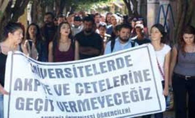 Üniversitede Işid Protestosu