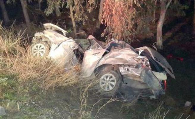 Yoldan Çıkan Otomobil Takla Attı: 2 Ölü, 3 Yaralı