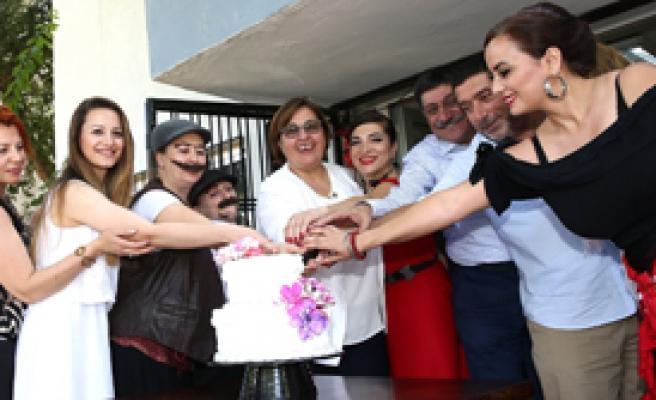 Pekdaş: İzmir'in Aydınlığı Türkiye'ye Yayılsın