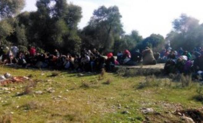 Demre'de 92 Kaçak ve 8 İnsan Kaçakçısı Yakalandı