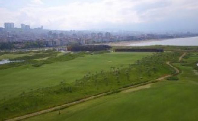 Golf Sahası 18 Çukura Çıkarılıyor