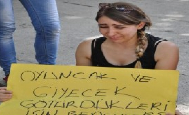 Denizli'de Tek Kişilik 'suruç' Protestosu