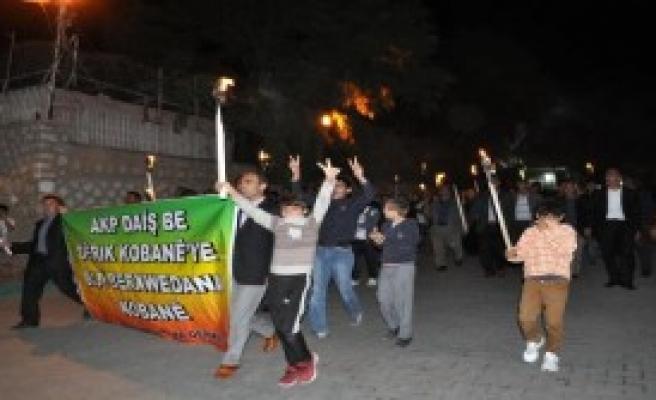 Derik'te Meşaleli Protesto Yürüyüşü