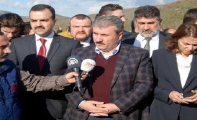 Destici, Türkmen Kampını Ziyaret Etti