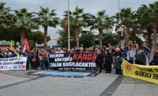 Dikili'de Terör Saldırısı Protesto Edildi