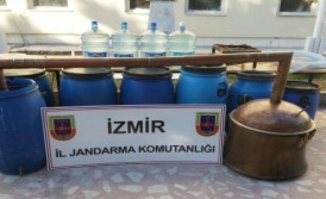 Dikili'de Kaçak Rakı Üretimine İki Gözaltı