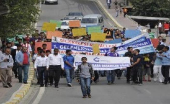 Dilovası'nda Spor Sahası Protestosu