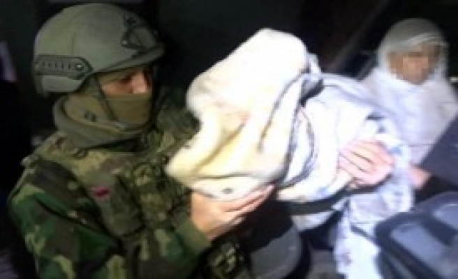 Sur'da 11 Kişi Güvenlik Güçlerine Teslim Oldu
