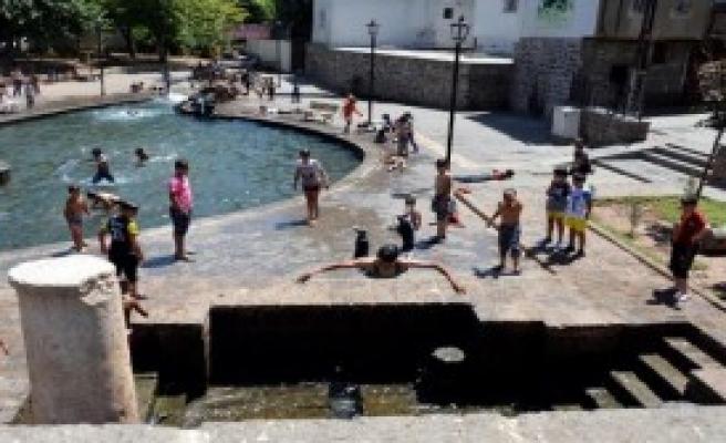 Diyarbakır'da Kavurucu Sıcaklar Etkili Oldu