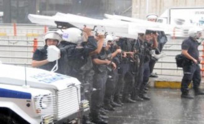 Kobani İçin Yağmur Altında Eylem