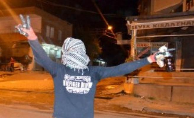 Diyarbakır'ın Silvan İlçesinde Olaylı Gece