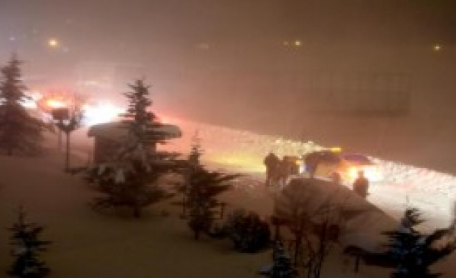 Doğu'da Kar Hayatı Durma Noktasına Getirdi