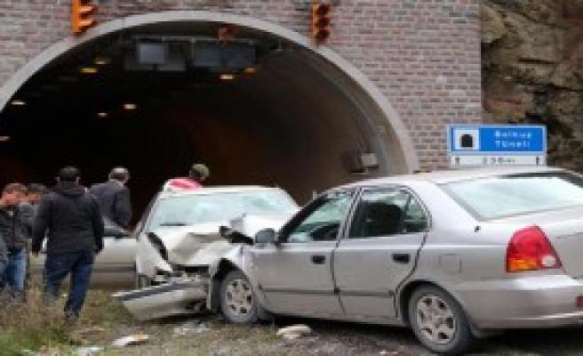 Doğum Yolunda Kaza: 6 Yaralı