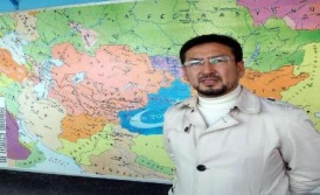 Uygurlardan Türkmenlere Destek