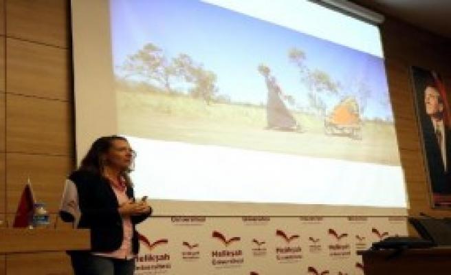 ABD'li Aktivist Angela Maxwell, Kayseri'de
