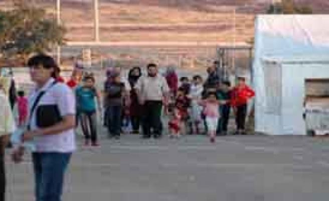 665 Suriyeli Türkiye'ye Sığındı