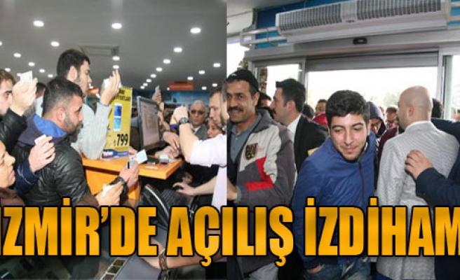 İzmir'de İndirim İzdihamı