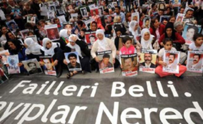 Cumartesi Anneleri İçin En Anlamlı Hediye 'Adalet'
