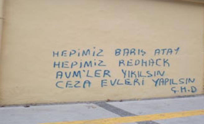 Siyaset İzmir'i Kirletiyor mu?