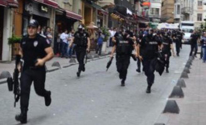 Taksim'de İkinci Polis Müdahalesi