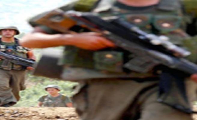 Şemdinli' de PKK'lı teröristlerle çatışma çıktı: 1 asker şehit