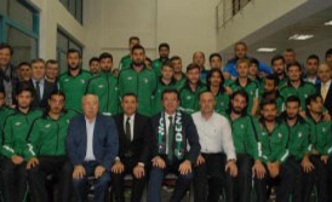 Denizlispor'a Bakan Zeybek'ten Moral